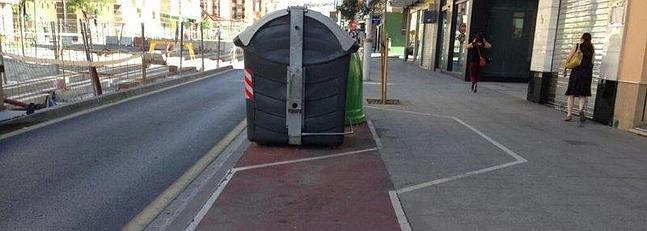 Carril-bici de verdad en Camino de Ronda