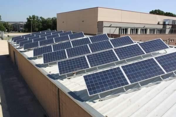 Placas solares en el campus de Cartuja