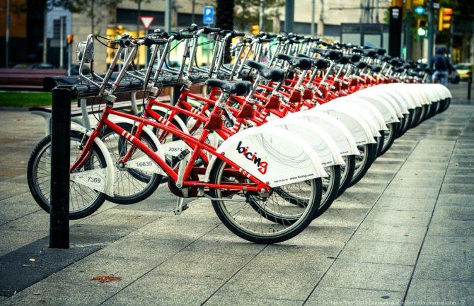 Alquiler de bicicletas al aire libre en el centro histórico de Granada