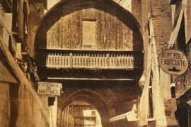 Devolver el Arco de las Orejas a su ubicación original.