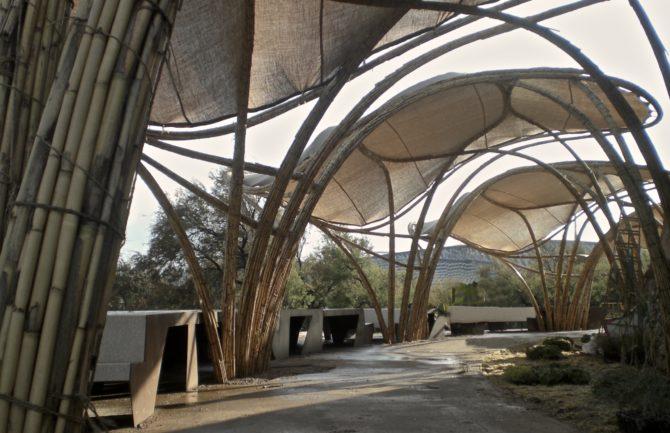 Sombreado para zonas peatonales y parques infantiles con for Estructuras arquitectonicas