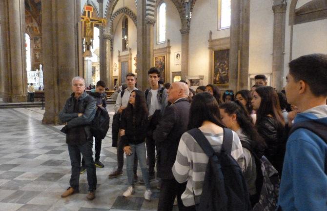 Voluntarios en los monumentos como guías gratuitos
