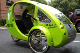 Una mezcla entre coche y bicicleta