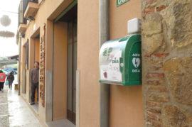 Colocación de desfibriladores en puntos de Granada
