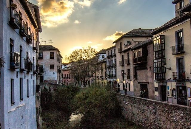 T'nseño Granada