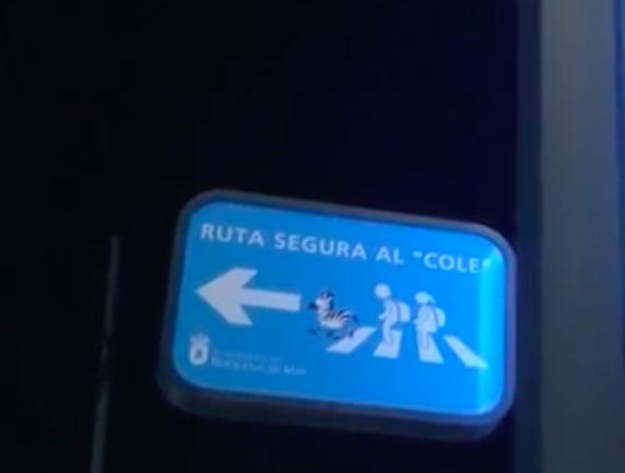Señalización de rutas seguras al cole.