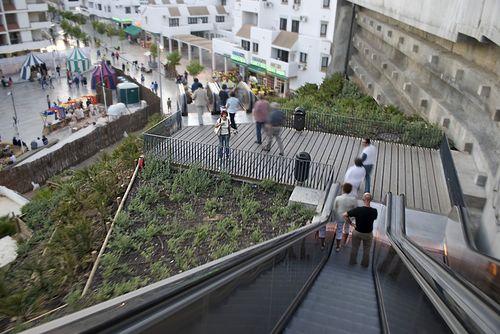 Escaleras mecánicas para la subida al Albayzin y miradores