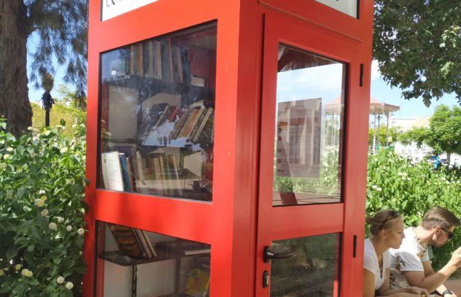 Cabina-Biblioteca