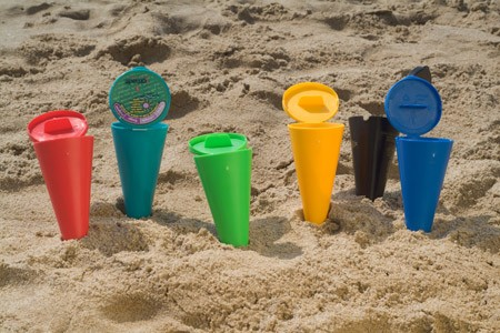 Papeleras y ceniceros para colillas en las playas de Granada