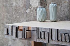 Muebles hechos de papel de periódico