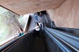 Escaleras mecánicas hacia San Miguel el Alto
