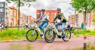 Bicicletas eléctricas en la ciudad