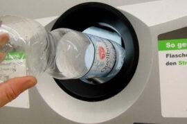 Reciclaje remunerado de botellas de plástico